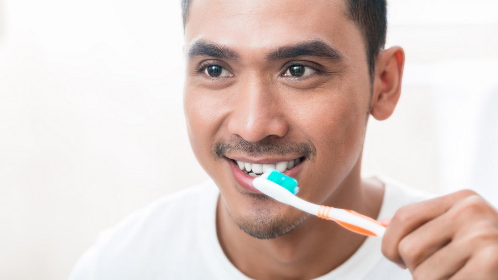 แปรงฟันแห้งกันเถอะ